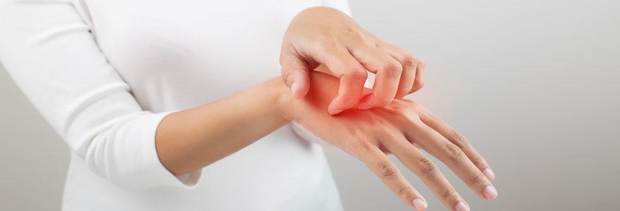 traiter et apaiser naturellement l'eczéma de la main